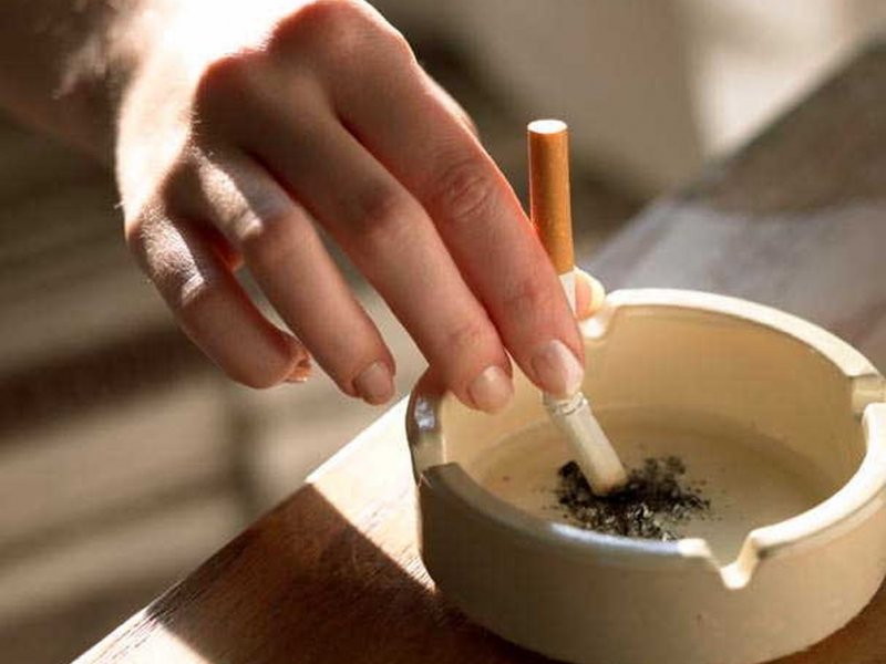 Children of smokers are more susceptible to squint