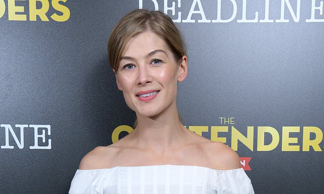 SECRETS OF AN A-LIST BODY: How to get shoulders like Rosamund Pike