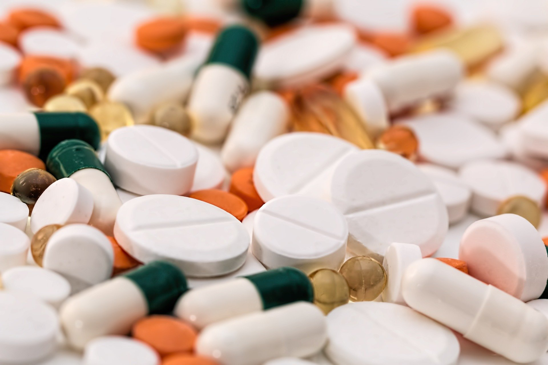 Antibiotic prescribing influenced by team dynamics within hospitals