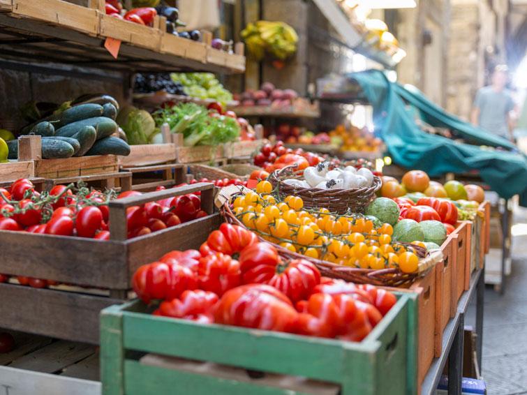 Mediterranean diet prevents eating in Excess