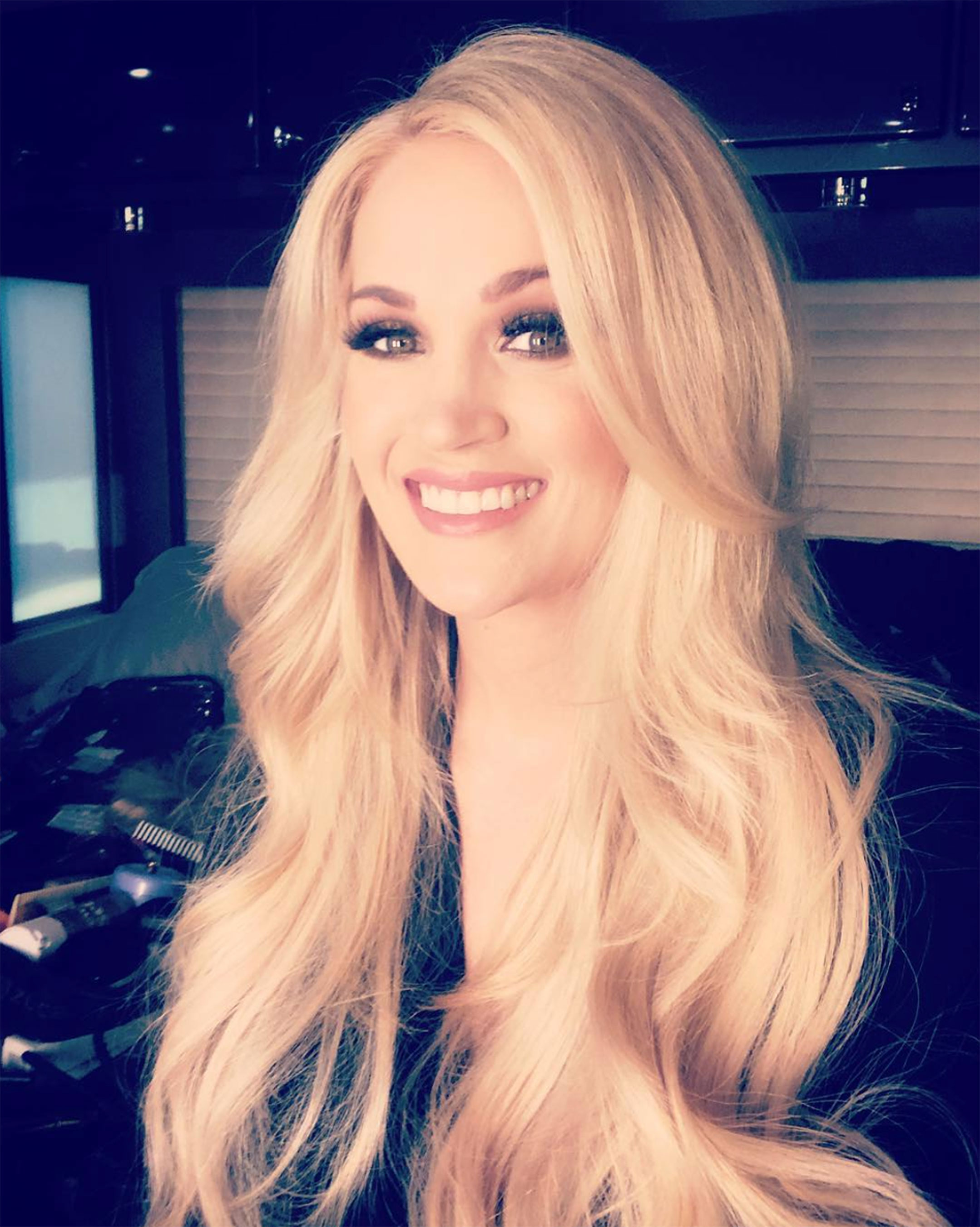 New Mom Carrie Underwood Was Pumping as She Got Glammed Up Ahead of Her ACMs Performance