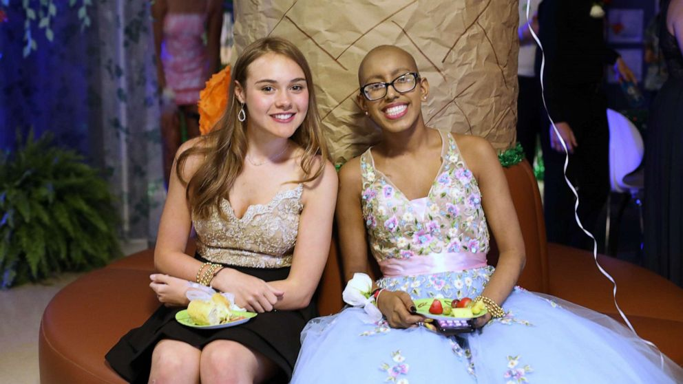 Hospital gives patients chance to dress up, party with annual prom night