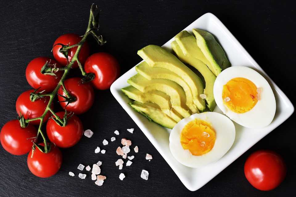 Healthy foods more important than type of diet to reduce heart disease risk