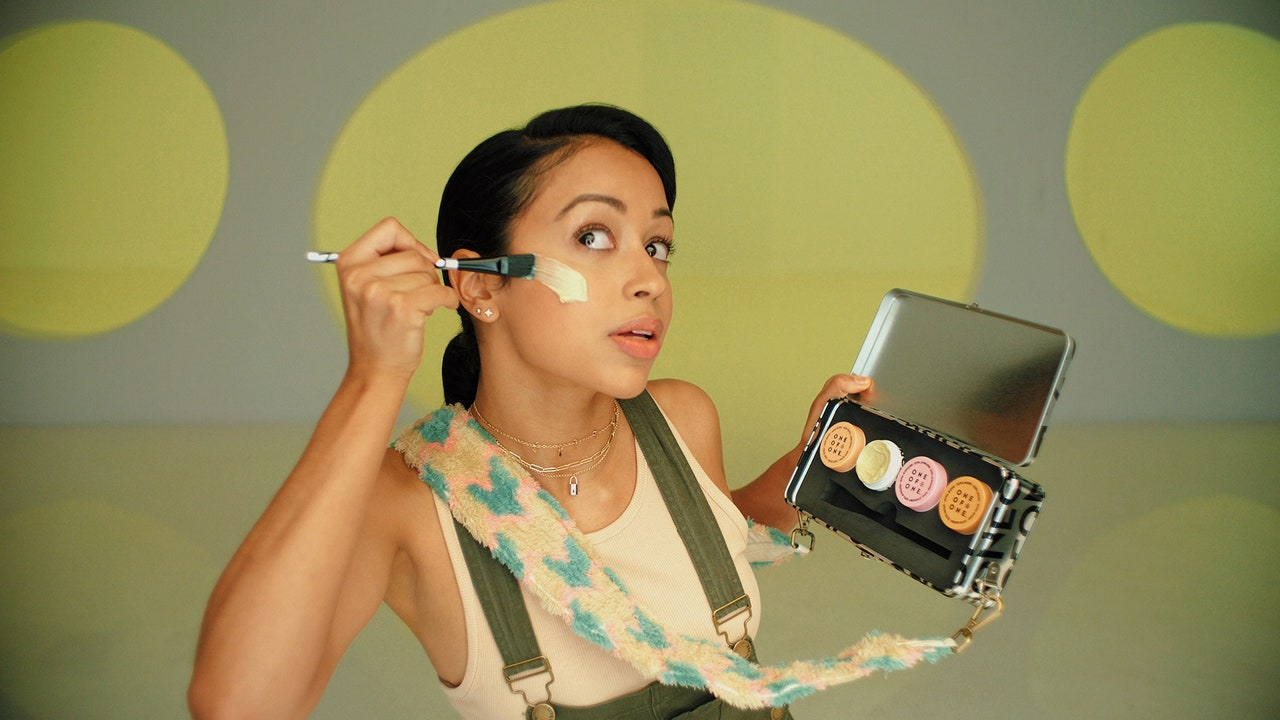 Liza Koshy Thinks She's a Beauty Guru