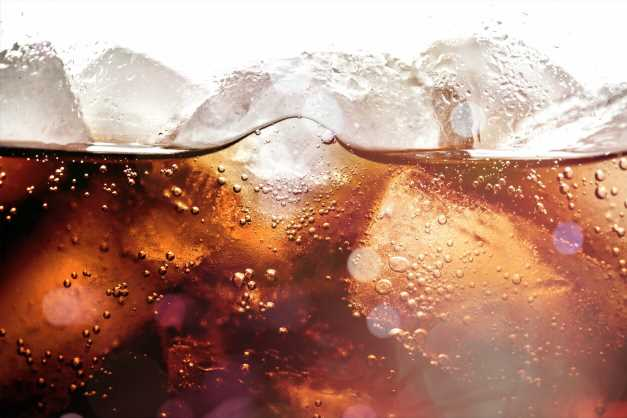Diet drinks linked to same heart issues as sweetened beverages, study says