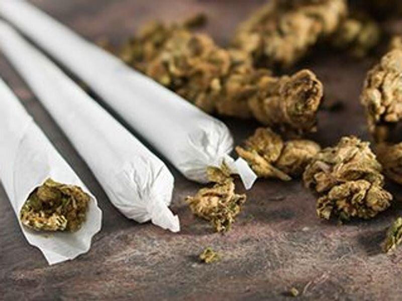 After heart attack, pot smoking raises post-op dangers