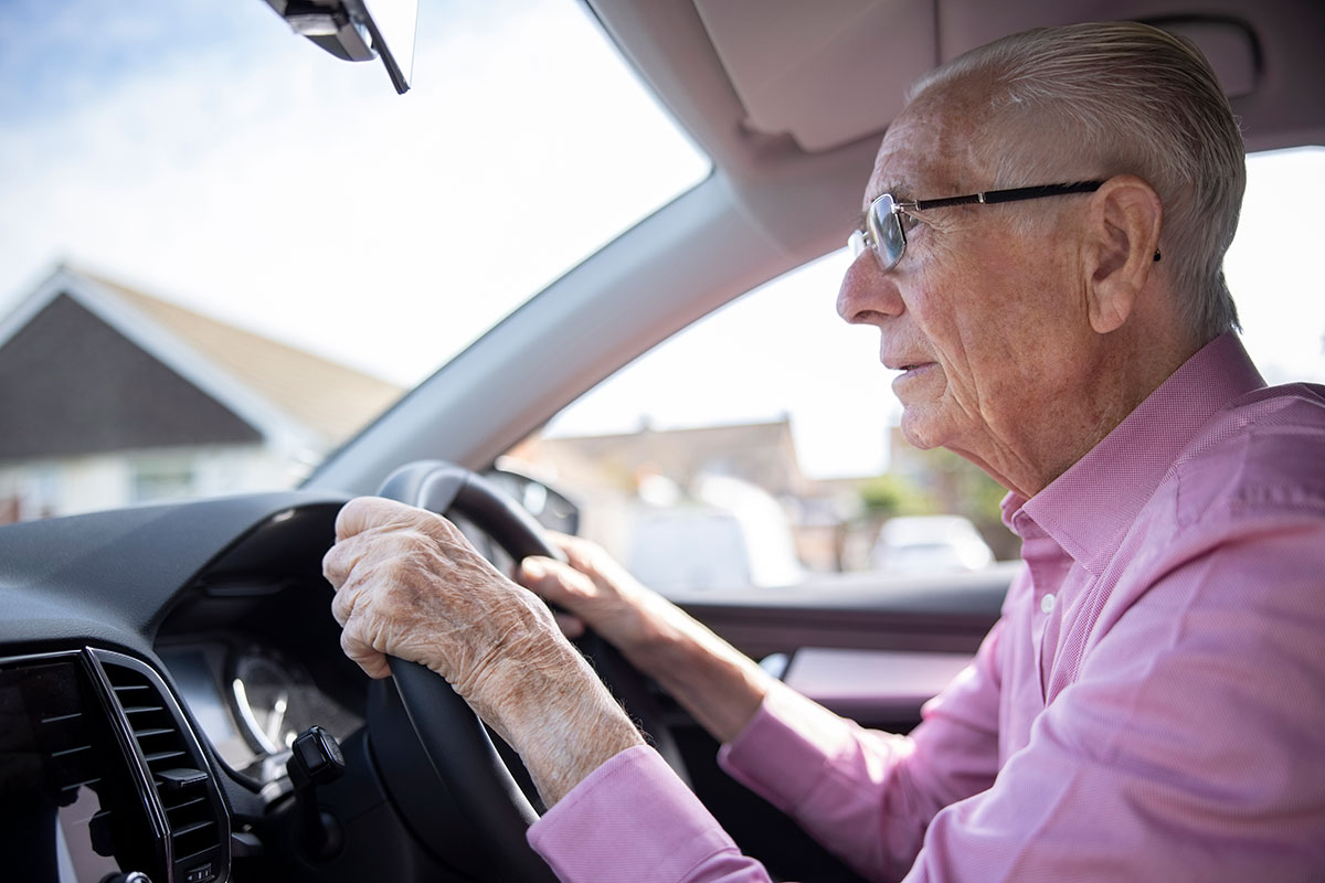 Can changes in driving habits predict cognitive decline in older adults?